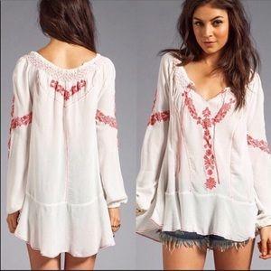 🎉 Free People White Embroidered Boho Tunic Blouse